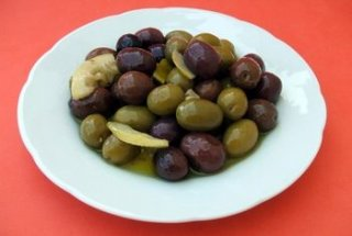 How Much Salt Is in Olives?